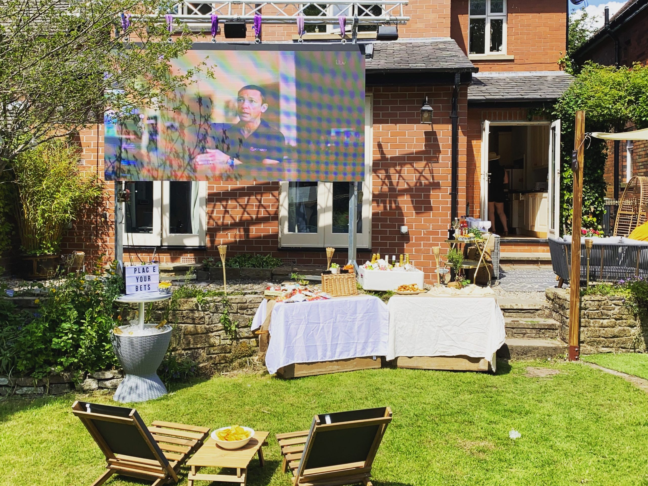 Garden Party with 3m LED Outdoor Screen